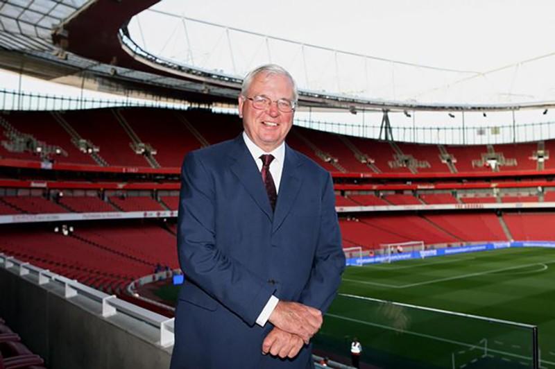 Arsenal nhiều tiền mặt hơn Real,Barca,Bayern cộng lại - ảnh 1