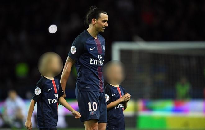 Theo chân Rooney,Ibrahimovic cho 2 con trai gia nhập MU - ảnh 1