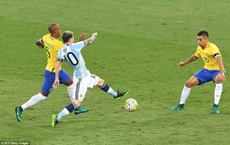 Bị Brazil hạ nhục, Argentina rơi vào khủng hoảng - ảnh 2