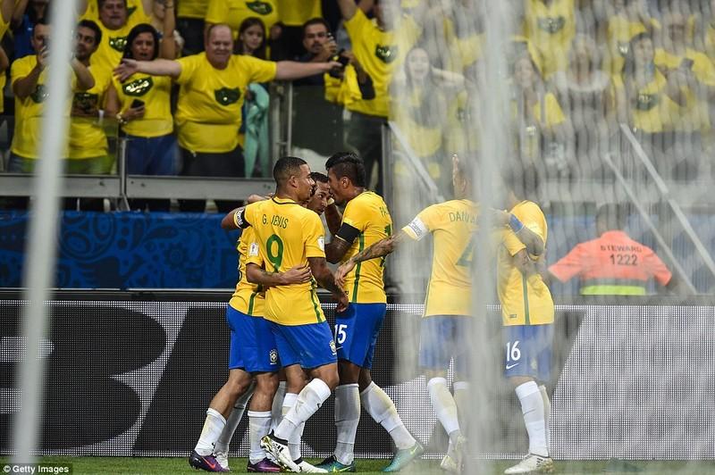 Bị Brazil hạ nhục, Argentina rơi vào khủng hoảng - ảnh 5