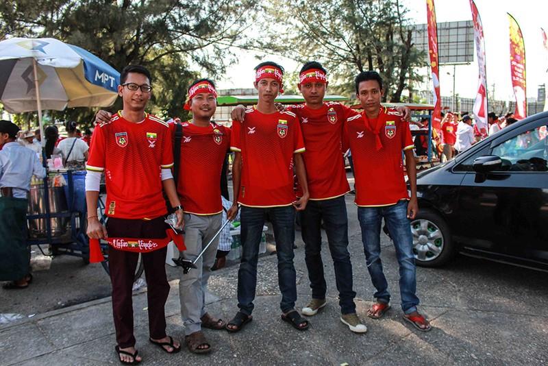 Hàng công tỏa sáng, Việt Nam thắng nghẹt thở Myanmar - ảnh 39