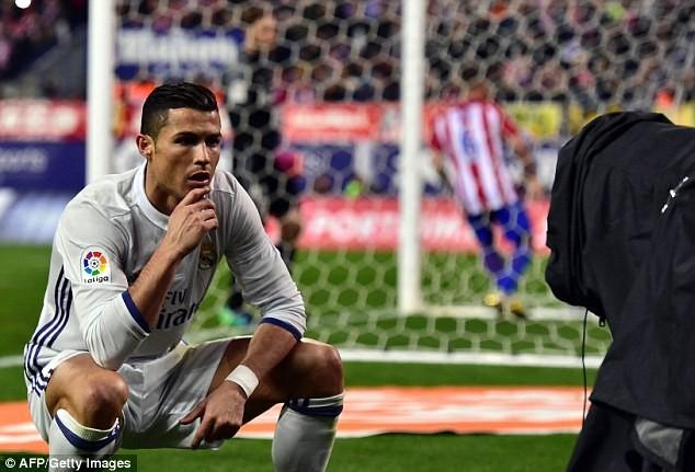 Ảnh chế Ronaldo mừng bàn thắng theo trào lưu đứng hình - ảnh 2