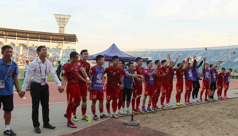 Việt Nam 1-0 Malaysia: Chiến thắng nhọc nhằn và quả cảm - ảnh 12