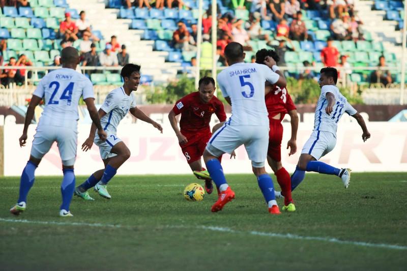Việt Nam 1-0 Malaysia: Chiến thắng nhọc nhằn và quả cảm - ảnh 5