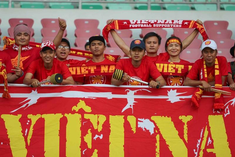 Việt Nam 2-1 Campuchia: Thắng mà không vui - ảnh 25