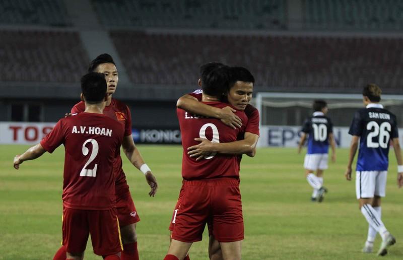 Việt Nam 2-1 Campuchia: Thắng mà không vui - ảnh 6