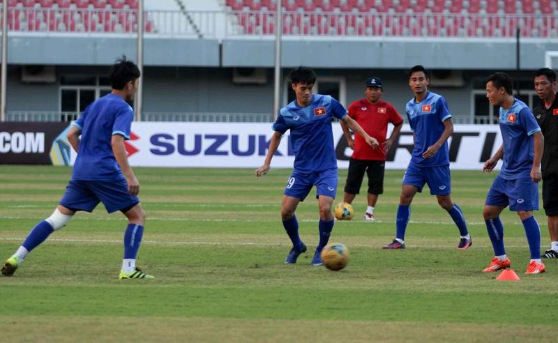 Việt Nam 2-1 Campuchia: Thắng mà không vui - ảnh 31