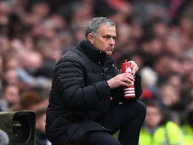 Mourinho đau khổ vì cầu thủ MU - ảnh 1