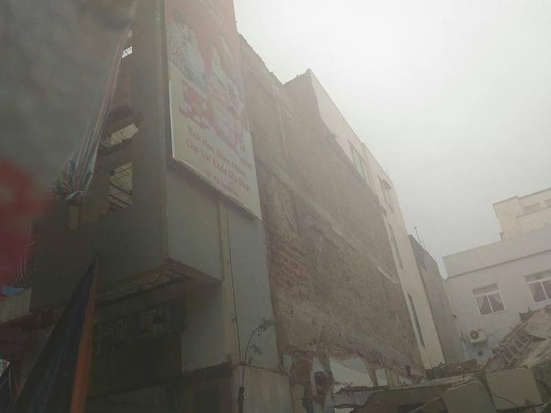 Sập trụ sở cũ báo Đà Nẵng, 2 người tử vong - ảnh 2