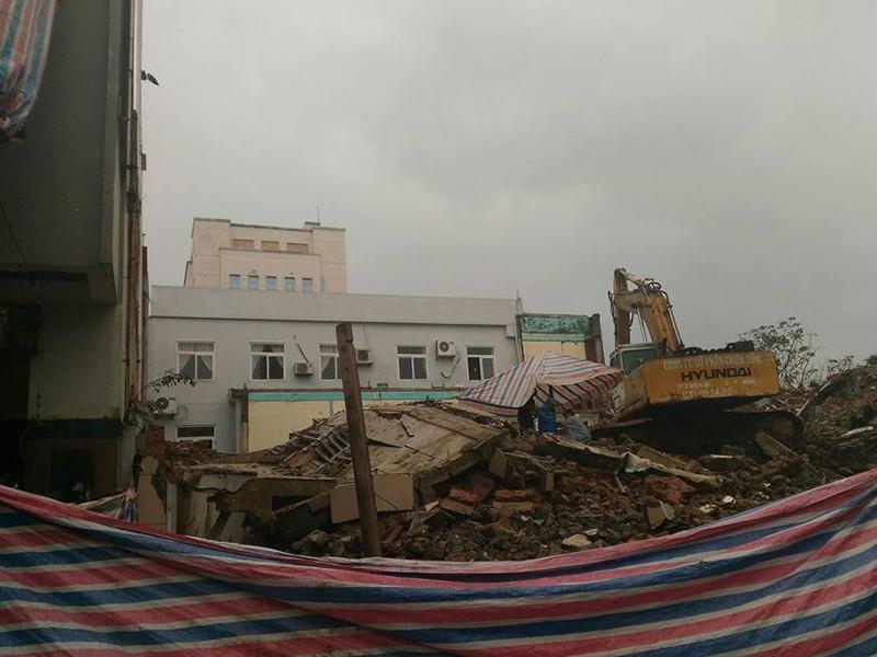 Sập trụ sở cũ báo Đà Nẵng, 2 người tử vong - ảnh 3