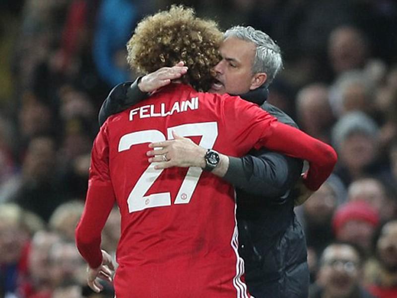 Fellaini ôm chầm Mourinho vì ông thầy đoán như thần - ảnh 2