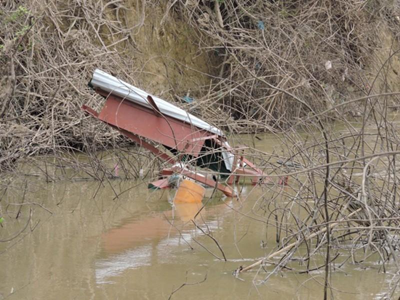Tìm thấy nạn nhân vụ chìm đò cách hiện trường 3 km - ảnh 2