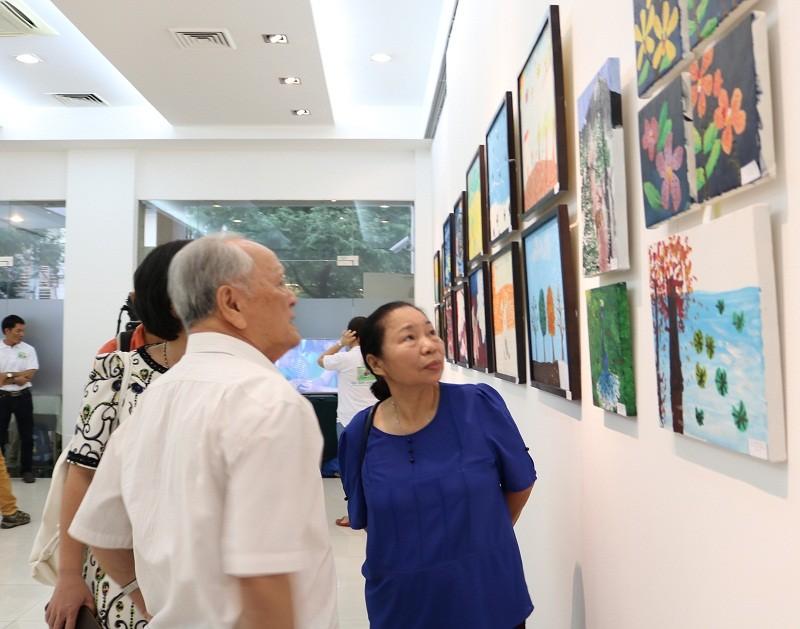 Buổi triển lãm 'lạ' gây quỹ bảo vệ động vật hoang dã - ảnh 3