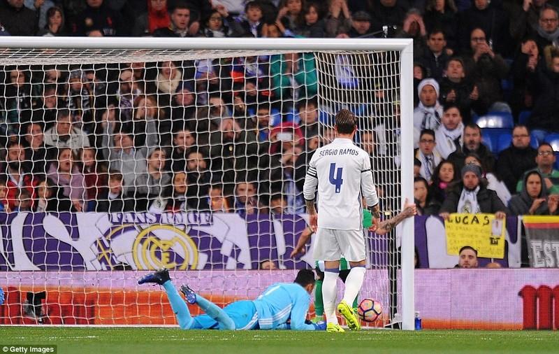Ramos lại hóa người hùng, Real ngược dòng kinh điển - ảnh 1