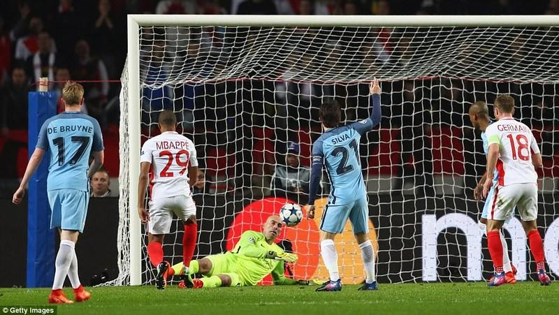 Thua bạc nhược Monaco, Man City bị loại cay đắng - ảnh 1