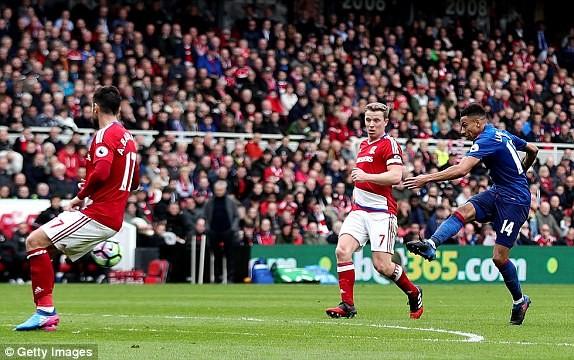 Thắng Middlesbrough, MU vượt mặt Arsenal - ảnh 2