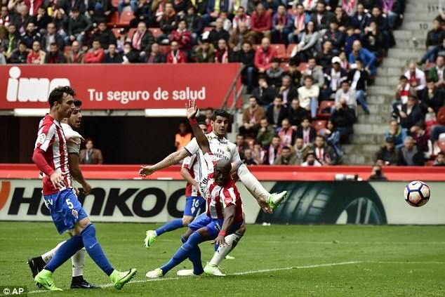 Isco rực sáng, Real Madrid ngược dòng thắng phút 90 - ảnh 2