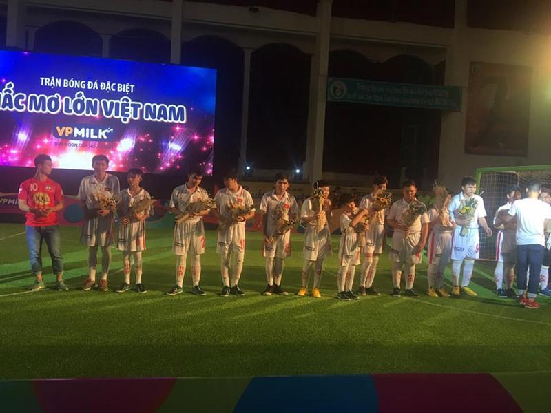 Công Phượng bất ngờ ở TP.HCM tham dự trận cầu đặc biệt - ảnh 4