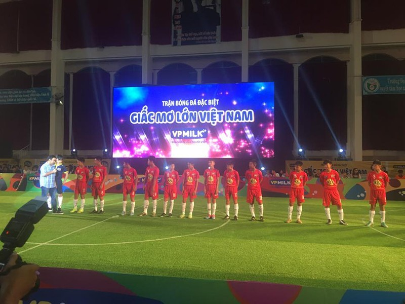 Công Phượng bất ngờ ở TP.HCM tham dự trận cầu đặc biệt - ảnh 3