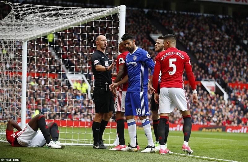Nhìn lại màn đại chiến kinh điển giữa MU và Chelsea - ảnh 6