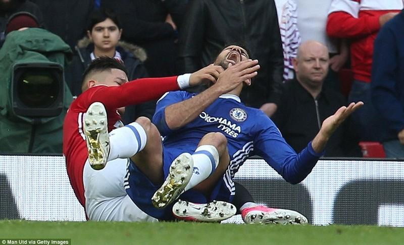 Nhìn lại màn đại chiến kinh điển giữa MU và Chelsea - ảnh 5