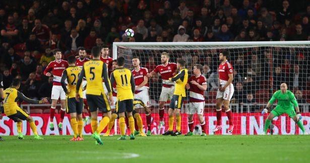 Cặp sao đòi ra đi giúp Arsenal thắng nhọc - ảnh 1