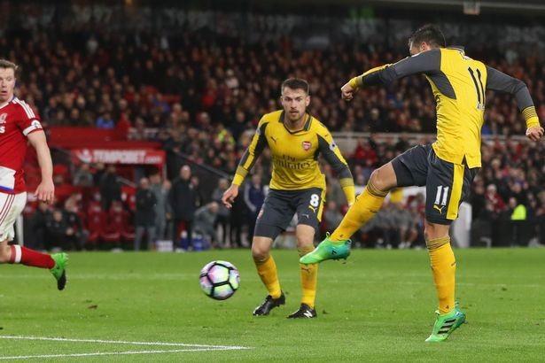 Cặp sao đòi ra đi giúp Arsenal thắng nhọc - ảnh 3