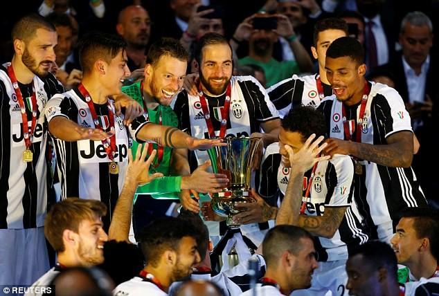 Hàng thủ Juventus đã hay còn ghi bàn giỏi - ảnh 4