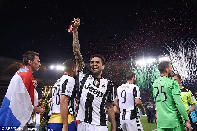 Hàng thủ Juventus đã hay còn ghi bàn giỏi - ảnh 7
