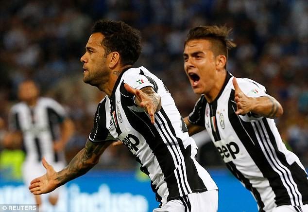 Hàng thủ Juventus đã hay còn ghi bàn giỏi - ảnh 1