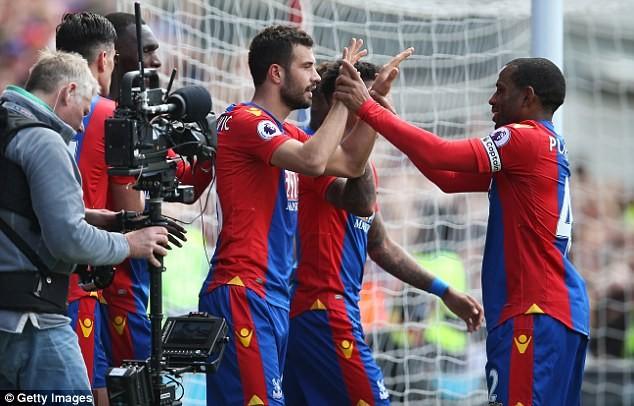 Sốc: Mourinho cầu xin đối thủ nhẹ tay với MU - ảnh 2