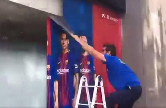 barcelona-xoa-sach-moi-dau-vet-cua-neymar