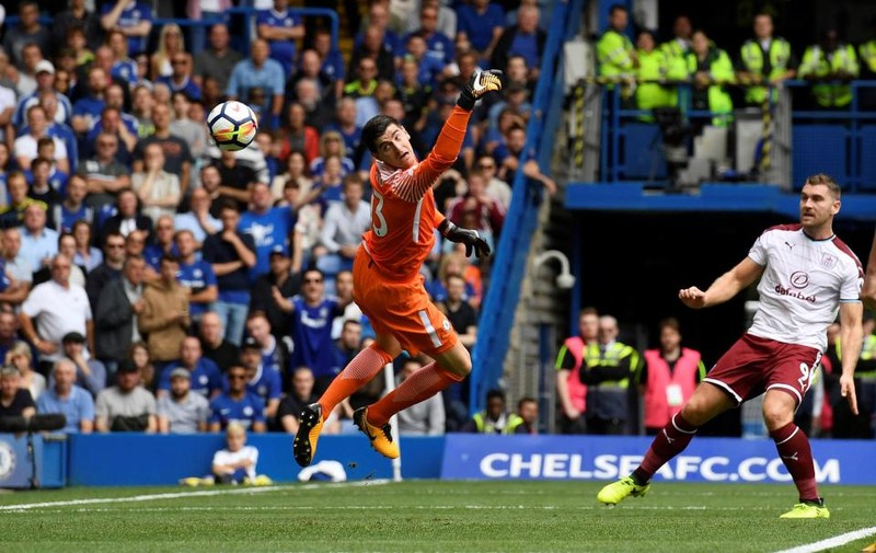 Nhận 2 thẻ đỏ, Chelsea thua sốc ngay trên sân nhà - ảnh 3