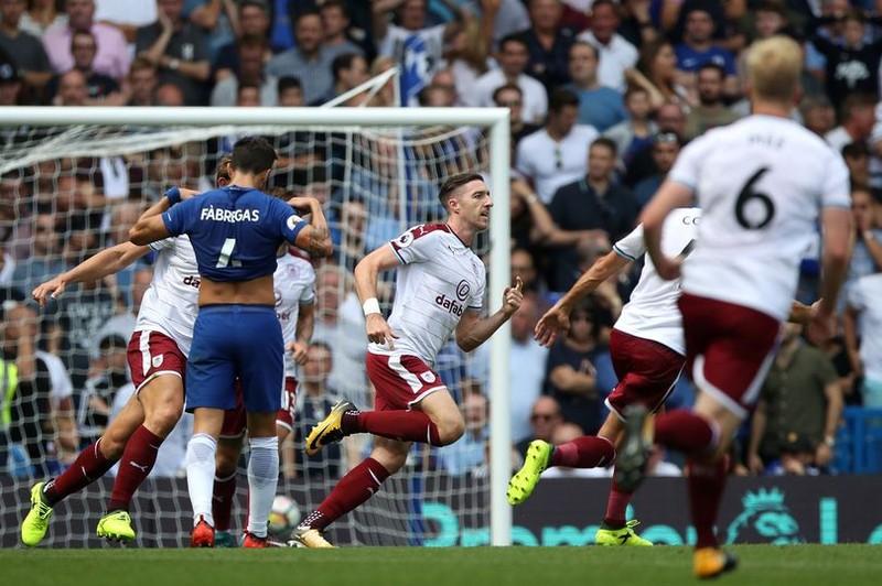 Nhận 2 thẻ đỏ, Chelsea thua sốc ngay trên sân nhà - ảnh 6