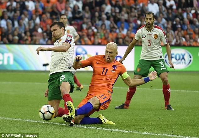 Hà Lan thắp sáng hy vọng, Pháp mất điểm sốc - ảnh 3