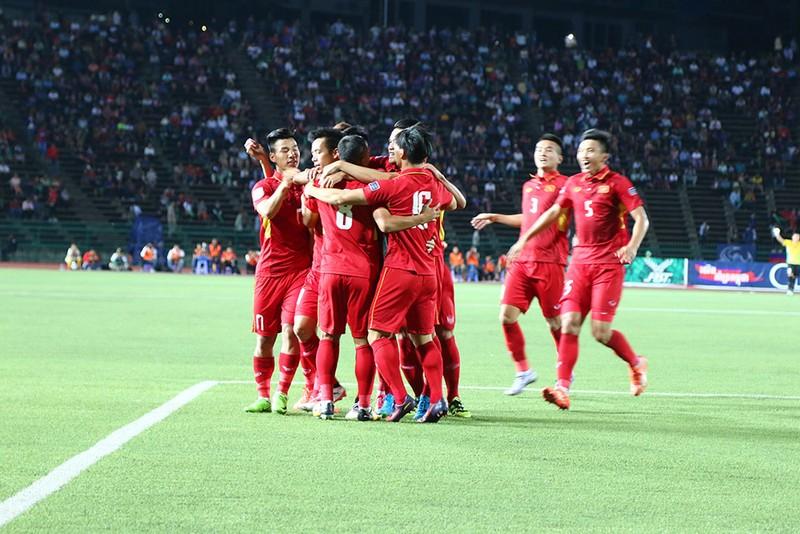 Khi bóng đá VN phải cần đến may mắn để thắng Campuchia - ảnh 3