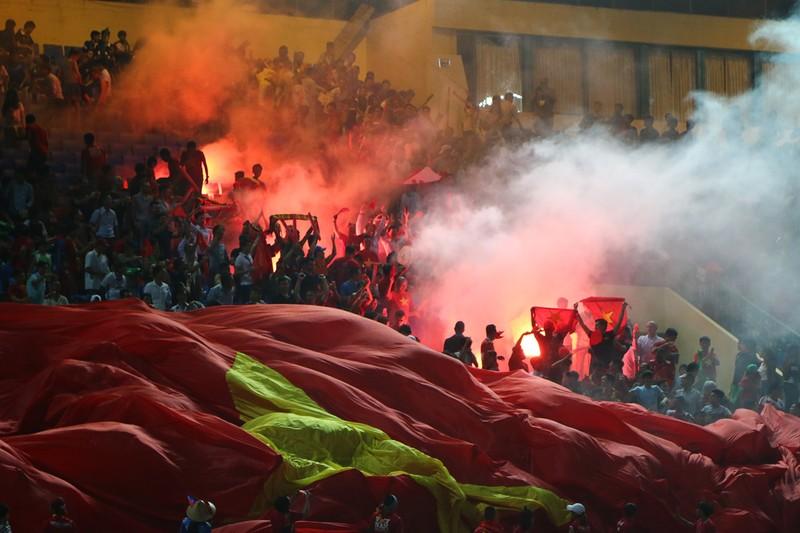 Khi bóng đá VN phải cần đến may mắn để thắng Campuchia - ảnh 4