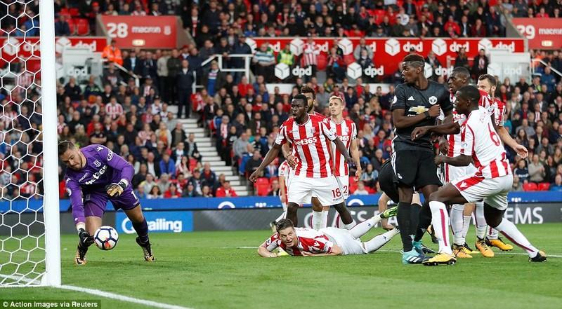 MU mất điểm vì Mourinho thay đổi công thức chiến thắng - ảnh 7