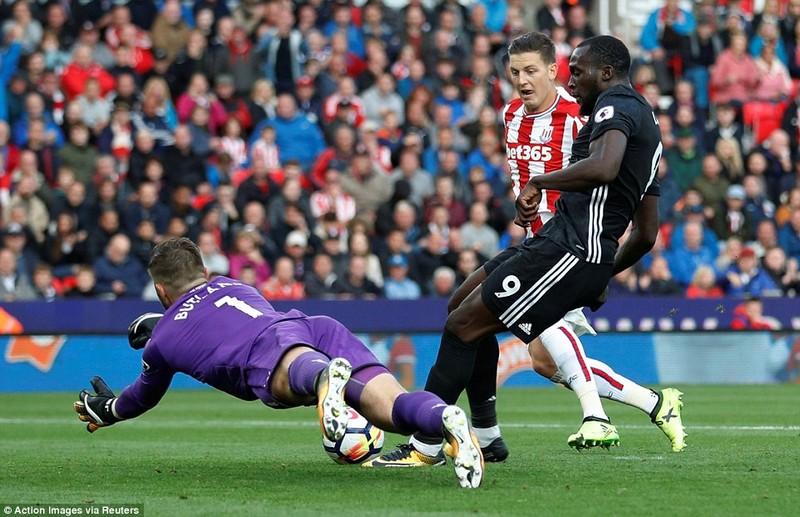 MU mất điểm vì Mourinho thay đổi công thức chiến thắng - ảnh 4