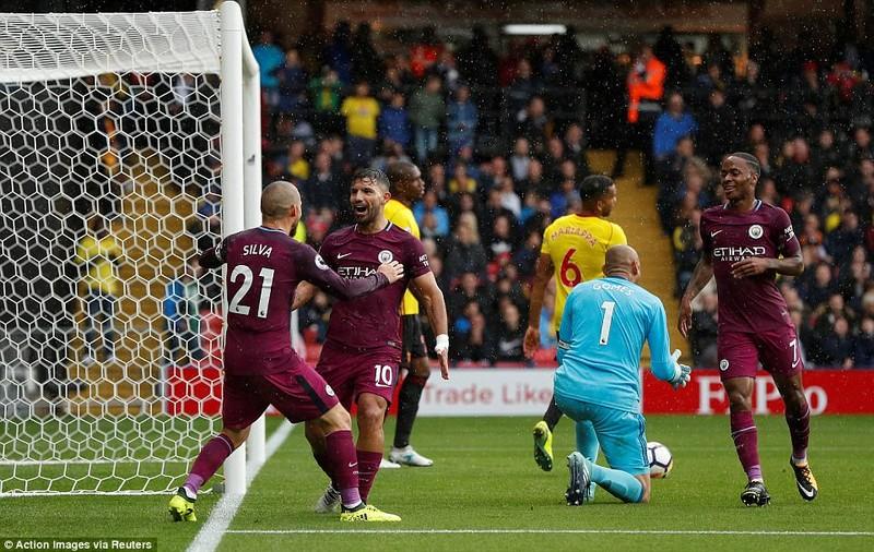 Man City 'chơi' tennis vượt mặt MU, Liverpool sẩy chân - ảnh 1