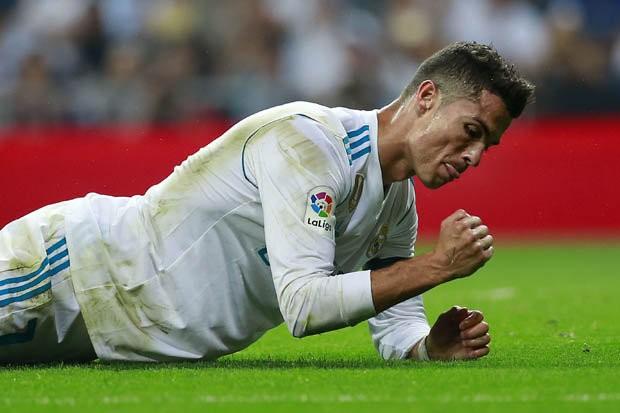 HLV Zidane nói gì về ngày trở lại thảm họa của Ronaldo - ảnh 1