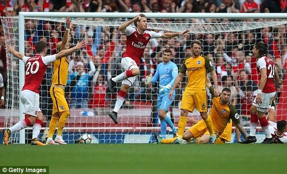 Thắng dễ Brighton, Arsenal trở lại cuộc đua vô địch - ảnh 2