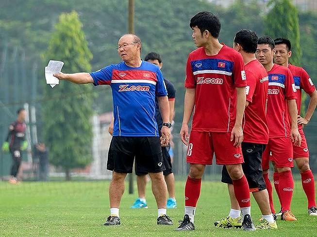 Park Hang-seo ra mắt hú vía, VN có vé dự VCK Asian Cup - ảnh 21