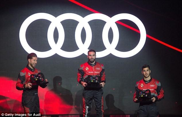 Cả đội Real Madrid rạng rỡ nhận siêu xe Audi miễn phí - ảnh 7