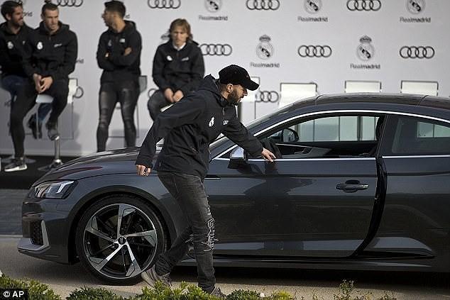 Cả đội Real Madrid rạng rỡ nhận siêu xe Audi miễn phí - ảnh 6