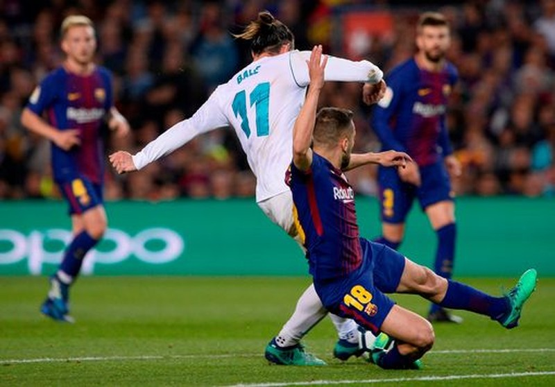 Ronaldo gọi, Messi trả lời, Barcelona, Real rượt đuổi tỉ số - ảnh 5