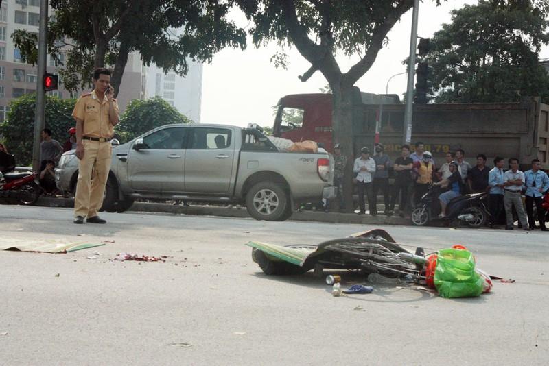 Người phụ nữ bị xe container cuốn vào gầm tử vong tại chỗ - ảnh 1