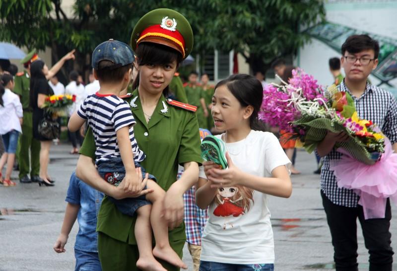 """Những """"đóa hồng"""" của  Học viện Cảnh sát nhân dân trong ngày tốt nghiệp - ảnh 13"""