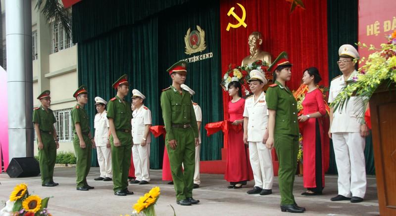 """Những """"đóa hồng"""" của  Học viện Cảnh sát nhân dân trong ngày tốt nghiệp - ảnh 3"""
