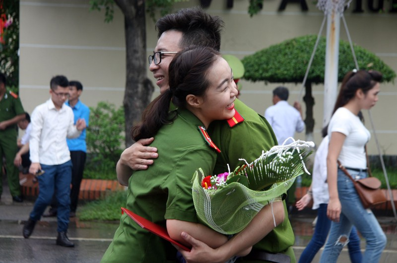 """Những """"đóa hồng"""" của  Học viện Cảnh sát nhân dân trong ngày tốt nghiệp - ảnh 6"""